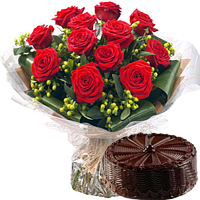 12 Red Roses Bouquet+� Kg. Cake ( Flavours available )