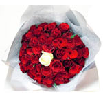 Magnificent Roses Arrangement for Unforgettable Moments
