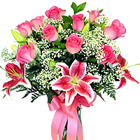 Clustered Roses N Lilies Bouquet with Romantic Thrill