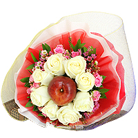 Attention-Getting Valentine's Flowers Gift Set