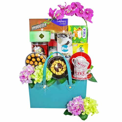 Classy Pursuit Of Happiness Food Gift Hamper