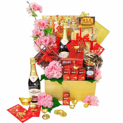Luxurious Wine and Gourmet Festive Gift Hamper